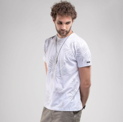 Camiseta Branca Masculina Manga Curta com Estampa SvK