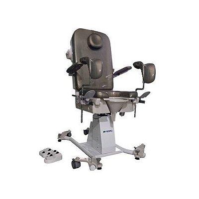 Cadeira para Exame Urologia Automática CG7000 U Medpej