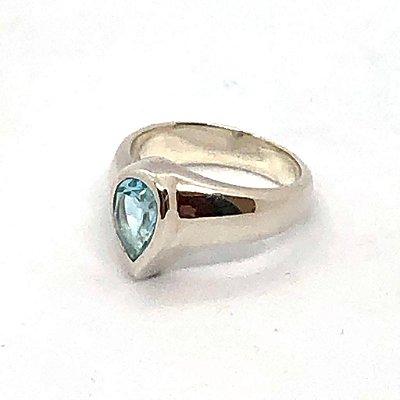 Anel topázio azul gota em prata 925