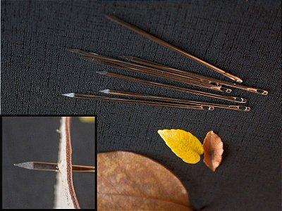 Agulha de Mão Fura-Couro - Ponta Triangular - 5.8 cm x 1.6 mm