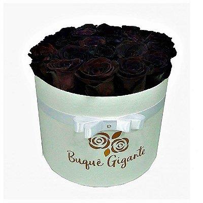 Exclusivo Box Rígido Branco c/ 25 Rosas Negras Importadas