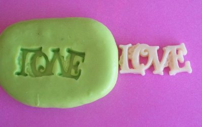 Molde de Silicone Love P (2,2cm)