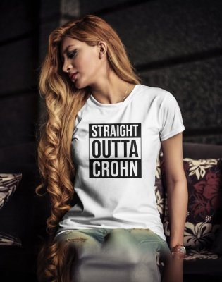 Camiseta Baby Look Straight  Outta Crohn