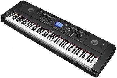 Piano Digital Yamaha DGX660 com Estante