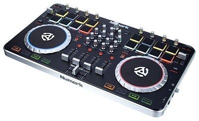 Controlador Numark Mixtrack Quad PRO 4 Canais com Interface de Áudio USB