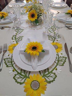 Corredor de mesa Importado - Branco bordados - 1,50 x 40cm - 100% Poliéster