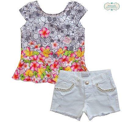 Conjunto Matinée Shorts Branco de Sarja com Blusa Floral Aplicação de Brilho