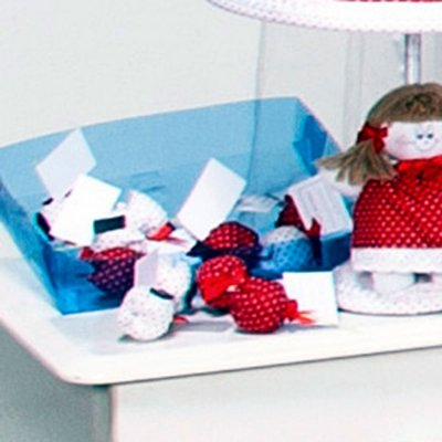 Lembrancinha Maternidade Vermelho Menina Retrô - 12 Peças