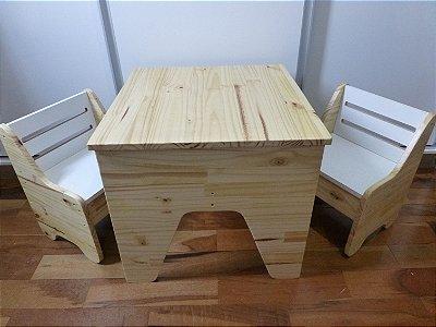 Conjunto Mesa Infantil com Cadeiras