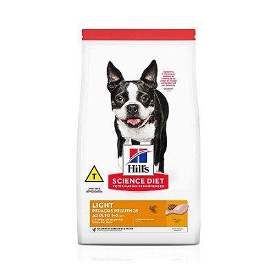 Ração Hills Science Diet Light Pedaços Pequenos p/Cães Adultos de Pequeno Porte Sabor Frango 2,4kg