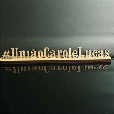 Hashtag com os Nomes do casal com Base - Tamanhos disponibilizados na opção do anúncio