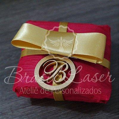 20 Medalhinhas Para Bem Casados ou Bem Vividos em Mdf  Pintado com as Iniciais que o Cliente Desejar