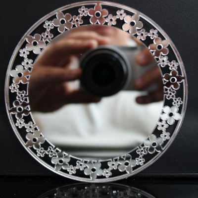 Quadro Espelhado em Acrílico Prateado Para Parede Vários Tamanhos Estilo Provençal