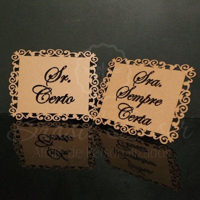 Par de Placas Para Cadeiras dos noivos -Sr Certo e Sra Sempre Certa - Opções de cor e preços dentro do anuncio.