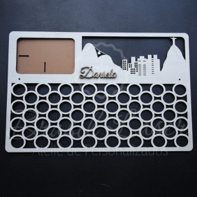 Porta Medalhas - Modelo: Rio de Janeiro Com Local de Foto e com Nome Personalizado -  Tamanho:45cmx30cm Aprox. - Várias cores no anuncio.