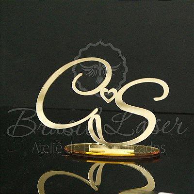 Topo De Bolo com iniciais com 14cm   (maior lado da peça) - Cor à Escolher