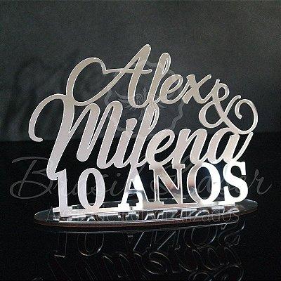 Topo de Bolo - Tamanho com 20 cm (maior lado da peça) - Cor à Escolher
