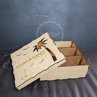 1 Caixa para (Com divisórias que cabem 1 mini Espumante e 2 Taças) em Mdf 3 mm tamanho 24cm x 24cm x 8cm Personalizada