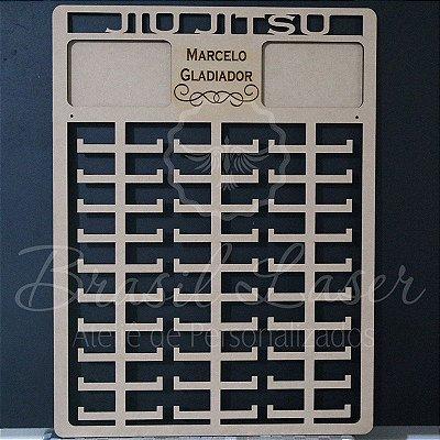 Porta Medalhas JIU JITSU Monster Personalizado com 2 Porta Retratos 10cmx15cm Tamanho 45cmx60cm Aprox.150 Medalhas