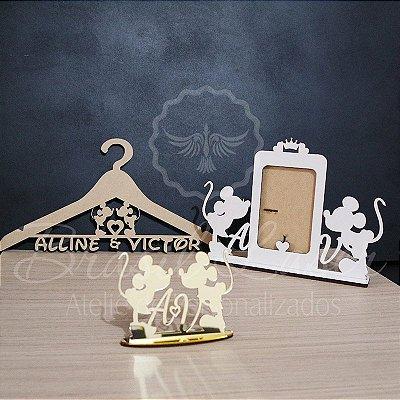 Kit Mickey e Minnie: 1 Topo de Bolo Dourado 14 cm + 1 Cabide em Mdf Cru + 1 Porta Retrato Branco