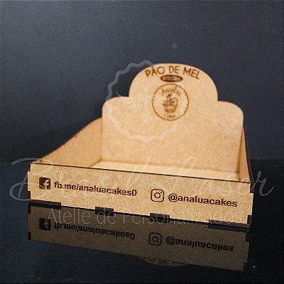 10 Expositores de Brownie / Alfajor / Palha Italiana / Cake / Pão de Mel com 20x20cm em Mdf com logomarca gravada