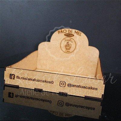 4 Expositores de Brownie / Alfajor / Palha Italiana / Cake / Pão de Mel com 20x20cm em Mdf com logomarca gravada