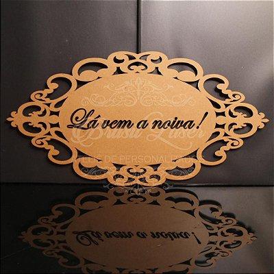 1- Placa para Entrada dos Noivos (Frase Personalizada) - Opções de cores e preços dentro do Anúncio