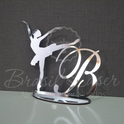 Topo De Bolo Bailarina - Tamanho com 20cm (maior lado da peça) - Cor à Escolher