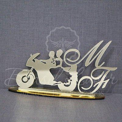 Topo De Bolo Casal na Moto - com 14cm (maior lado da peça) - Cor à Escolher