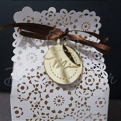 1 Medalhinha Personalizada com Inicial ou Nome para lembrancinha / Bem Casado / Bem Vivido em Acrílico - Várias Cores - Personalizado - Ver opções dentro do anúncio - Quantidade Mínima : 10 Unidades iguais