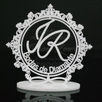 Topo De Bolo Bodas de Diamante com 14cm (maior lado da peça) - Cor à Escolher