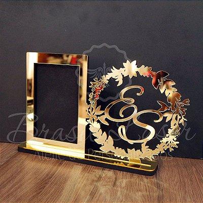 Porta Retrato com Brasão para foto 20x25 em acrílico espelhado.