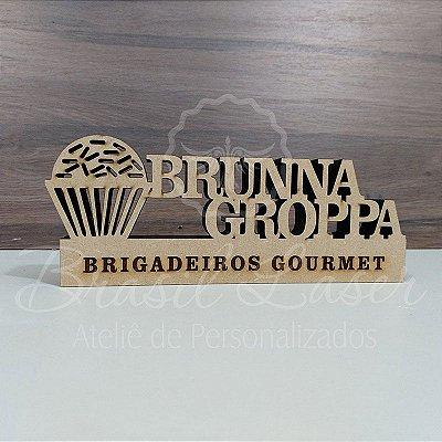 Decoração para Brigadeiros Gourmet / Brigaderia / Confeitaria / Confeiteira / Patisserie com Nome Personalizado - **Cor e tamanho são selecionados dentro do anuncio para ver cada preço**