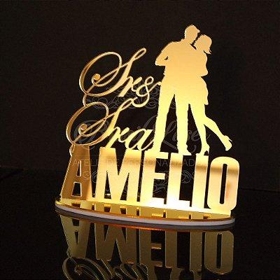 Topo De Bolo Casal Sr e Sra - com 14cm (maior lado da peça) - Cor à Escolher