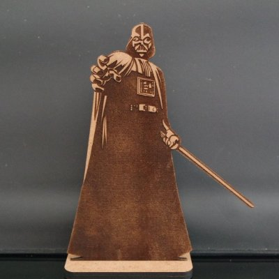 Darth Vader em mdf 3 mm com base