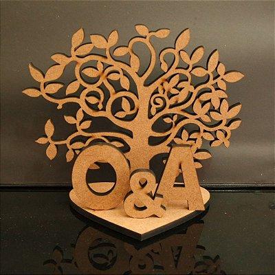 Árvore da Vida com as iniciais do casal + um &