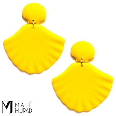 Brinco Acrílico Concha Amarelo Mermaid