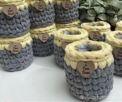 Cesto em crochê com etiqueta personalizada - Lembrancinhas ( 20 unidades)