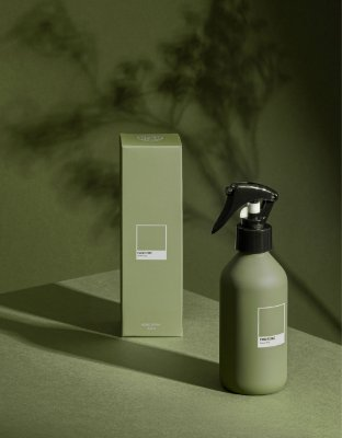Home Spray Green Fig Pantone