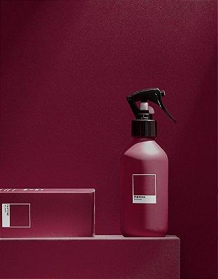 Home Spray Red Vanilla Pantone