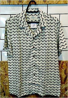 Camisa Zig Zag Branco e Preto