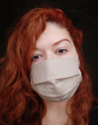 Máscara de tecido cáqui