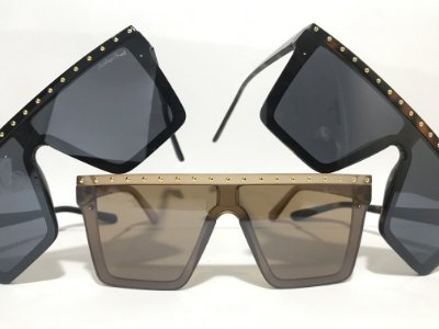 Óculos Máscara Tachinhas