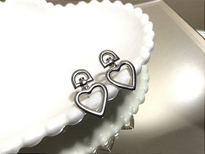 Brinco Coração Vazado M