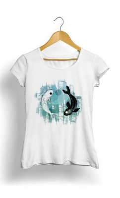 Camiseta Feminina Tropicalli Yin Yang Koi Fishes