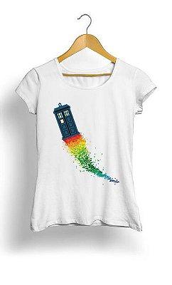 Camiseta Feminina Tropicalli Who Rainbow