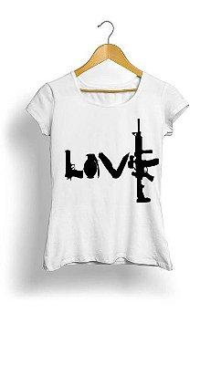Camiseta Feminina Tropicalli Love weapons