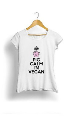 Camiseta Feminina Tropicalli Pig calm i'm vegan