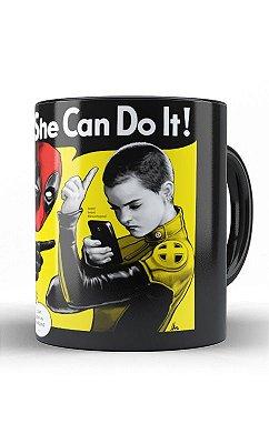 Caneca Deadpool - She Can Do It