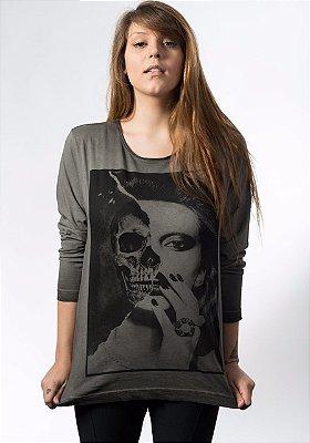 Camiseta Camiseta Estonada Manga Longa Skull Girl